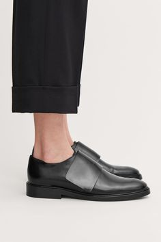 Detailed image of Cos wrap-over leather brogues in black Cos Shoes, Me Too Shoes, Women's Shoes, Shoe Boots, Shoe Bag, Minimalist Shoes, Leather Brogues, Best Running Shoes, Comfortable Boots