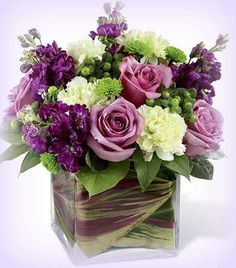 Pretty flowers your way!!!! Enjoy ! hugzzzzz oooooooo ..
