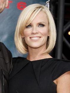 19 of the Best Short Blonde Hairstyles: Short Blonde Hairstyle, Jenny McCarthy