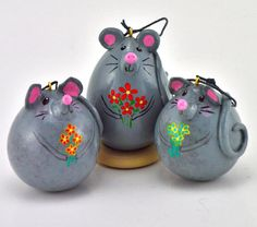 Mouse Gourd Ornaments: Nest egg gourds transformed into flower mice!  www.gourdament.etsy.com