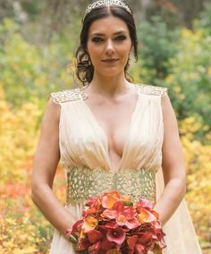 Face is all avon.gown is all Dany. Beautiful Bride, Most Beautiful, Adrianne Curry, Wedding Gowns, Our Wedding, Medieval Hairstyles, America's Next Top Model, Celebrity Weddings, Photoshoot