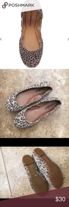 Lucky Brand Emmie flats Animal print flats, size 6, very comfortable, worn twice, in good condition, no trades Lucky Brand Shoes Flats & Loafers