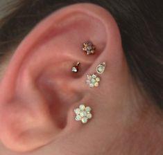 Product Information - Product Type: Straight Barbell in Surgical Stainless Steel - Externally Threaded Steel Ball Top - Gauge Size: 16 Gauge - Wearable Barbell Length: - Opal Flower D Pretty Ear Piercings, Types Of Ear Piercings, Tragus Piercings, Barbell Piercing, Rook Earring, Cartilage Earrings, Stud Earrings, Ear Jewelry, Body Jewelry