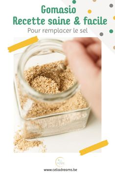 """Découvrez ma #recette du gomasio """"maison"""" (à base de sésame torréfié): la meilleure alternative au sel de cuisine! Riche en vitamines et minéraux, le #gomasio est bien plus sain que son homologue raffiné. Il est préférable au sel de table car l'huile provenant des graines de sésame légèrement broyées qui enrobe le sel,rend ce dernier plus assimilable par l'organisme que le sel de table ordinaire. #diy #zérodéchet Sesame, Girl Cooking, French Girls, Vegan, Coin, Breakfast, Blog, Vegetarian Recipes, Cooking Recipes"""