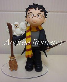 O Harry sobre o bolo!