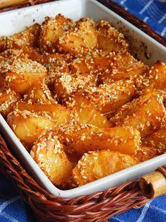 Jekin kapric : Pečeni susam krompir Bakery Recipes, Kitchen Recipes, Cookie Recipes, Kolaci I Torte, Serbian Recipes, Salty Foods, Potato Recipes, I Love Food, Macaroni And Cheese