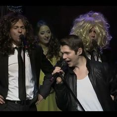 After watching a live CT performance. This is the image that is stuck in my head..... #menwithwigs