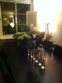 Hortensia, roser, bordpynt, borddekor, hvite blomster