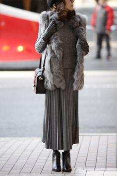 今着たいグレートーンのスカートスタイル5