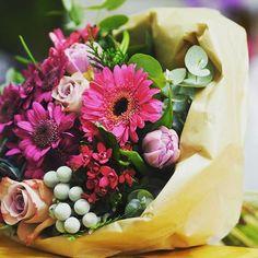 Narozeninová kytice...#flowershopprague #flowershop #onlineflowershop #onlinekvetiny #kvetinypraha