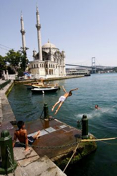 It's too hot! - Ortakoy, Istanbul