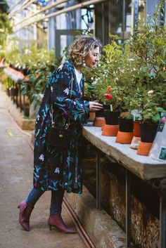 rita_maslova_ritalifestyle_spring_summer_outfit_anna_glover_hm_floral_print_kimono_pink_kitten_heels_shoes_zara_bag
