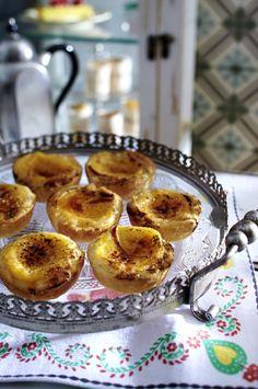 Unser beliebtes Rezept für Pastéis de nata (Vanilletörtchen) und mehr als 55.000 weitere kostenlose Rezepte auf LECKER.de.