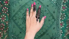 Short Mehndi Design, Arabic Mehndi Designs, Mehndi Patterns, Henna Designs, Mehndi Tattoo, Mehndi Art, Makeup Studio, Beauty Studio, Mehndi Brides