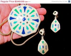 20% OFF Vintage Eisenberg Artist Series Cream Blue & Green Enamel Southwestern Kaleidoscope Pendant Necklace Earrings SET ~ 70s Collectible