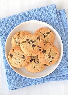 Chocolate chip havermout koekjes zijn simpel om te maken en vooral heel erg lekker. Ik geef je uiteraard het recept zodat je ze zelf kunt maken.
