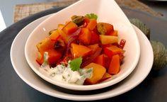 Rezept vom Zentrum der Gesundheit: Quitten-Kürbis-Gemüse mit Koriander-Joghurt Dip © ZDG #vegan #rezept #gesundheit #kürbis