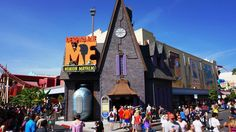 Spring Break at Universal Orlando.--Includes some good travel tips