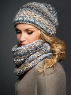 Knitting pattern for hat and loop: perfect for beginners Wonder woman - The loop and the hat are perfect knitting projects for beginners – since only right and left stitches are knitted. Knitting Patterns Free, Free Knitting, Crochet Patterns, Hat Patterns, Baby Knitting, Knit Crochet, Crochet Hats, Wonder Woman, Hats For Sale