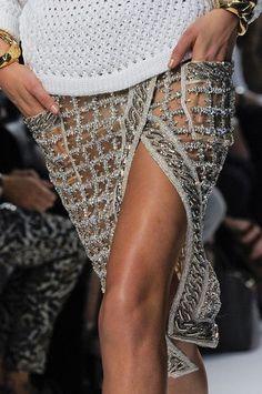 Balmain at Paris Fashion Week Spring 2014 – Women Fashion Fashion Week Paris, Runway Fashion, Womens Fashion, Fashion Spring, Fashion Details, Look Fashion, High Fashion, Dress Fashion, Korean Fashion