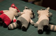 conelalmabazar  racoons - Meeko - crochet - amigurumis - hobby - personajes - kawaii Crochet Things, Knit Crochet, Hobby Ideas, Darning, Sticks, Crocheting, Dinosaur Stuffed Animal, Boss, Creatures