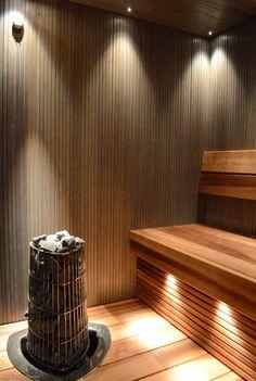 Sauna, jossa valaistus on kohdillaan. Sauna Steam Room, Sauna Room, Sauna Lights, Modern Saunas, Portable Sauna, Sauna Design, Finnish Sauna, Spa Rooms, Massage Room