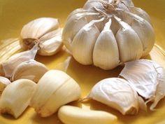 Detox With Tomato Juice, Garlic And Turmeric - Good Place Site Tomato Juice, Superfood, Turmeric, Tofu, Garlic, Vegetables, Health, Raw Garlic, Reduce Cholesterol