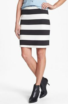Graphic striped skirt - $28
