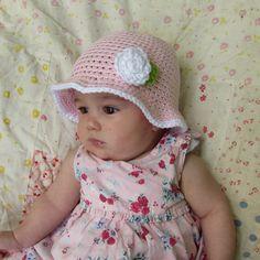 Gorro bebé de verano rosa claro con flor en algodón de 5 a 12 meses