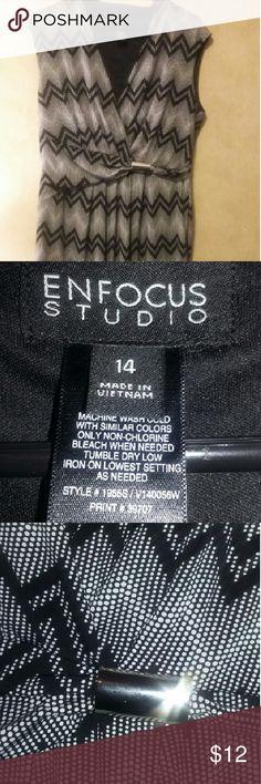 """Zig zag dress Never worn, silver metal detail, stretchy - bust: 19"""", waist: 17"""", shoulder to hem: 36"""" Dresses"""