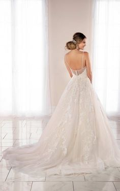 Wedding Dresses Lace Simple 6993 Extravagant Lace Ballgown with Floral Detailing by Stella York.Wedding Dresses Lace Simple 6993 Extravagant Lace Ballgown with Floral Detailing by Stella York Wedding Dress Pictures, Best Wedding Dresses, Designer Wedding Dresses, Bridal Dresses, Gown Wedding, Floral Wedding, Extravagant Wedding Dresses, Hairdo Wedding, Floral Lace