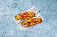 Kijk wat een lekker recept ik heb gevonden op Allerhande! Bruschette peperonata en ansjovis