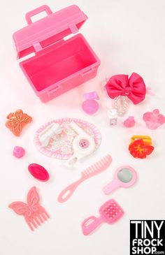 Get your pinkalicious beauty on! Set comes with large pink beauty tote, bow barrette, perfume bottles, butterfly clip, soap, butterfly comb, hairdryer and more!! Everything pictured.
