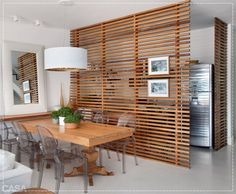 Die Rolle der Raumtrenner im offenen Wohnraum The role of room divider in open living space Decor, Wood Screens, Interior Design, House Interior, Home, Interior, Open Space Living, Room Divider, Apartment Decor