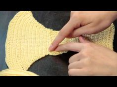 ▶ How to Crochet Undies : Crochet Lessons - YouTube / as easy as that !