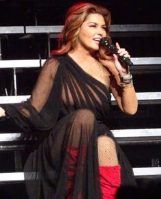 Shania Twain Lifestyle, Income, Salary, Net worth, Age, Boyfriend, Husband, Dating, Education, Children, Albums, Family, House, Wiki, Instagram And Full Biography 2019 Shania Twain Pictures, Celebrity Boots, Wwe Girls, Country Music Singers, I Love Girls, Female Singers, Famous Women, Belle Photo, Thing 1