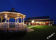 Outside Wedding Kanas City. Red Barn Wedding. Mellon's Banquet Hall.