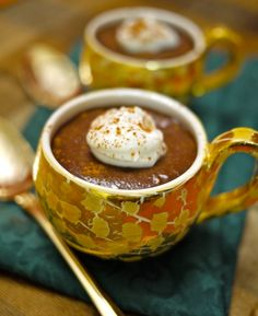 A hint of cinnamon is what makes Mexican Hot Chocolate special. All the flavors of this warm holiday drink are transformed into an easy pudding dessert! This recipe is featured as part of our Top 10 Easy Christmas Desserts. Enjoy this dish and check out Hot Chocolate Pudding Recipe, Easy Chocolate Mousse, Chocolate Desserts, Chocolate Lovers, Mexican Dessert Recipes, Mexican Dishes, Dessert Dishes, Pudding Ingredients, Pudding Flavors