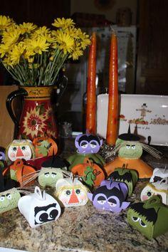 Curvy boxes - scarecrow, vampire, Frankenstein, witch, pumpkin