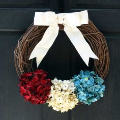 This pretty spring and summer grapevine wreath features three hydrangeas in rose pink, cream and green, a perfect seasonal door hanger / mantel decoration Summer Door Wreaths, Fall Wreaths, Wreaths For Front Door, Hydrangea Wreath, Pink Hydrangea, Floral Wreath, White Hydrangeas, Patriotic Wreath, 4th Of July Wreath