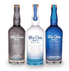+ Design de embalagem :   Projeto da Ptarmak, Inc., para a linha de rum da Blue Chair Bay.