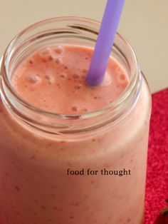 Smoothie με φράουλα, μπανάνα, πορτοκάλι http://laxtaristessyntages.blogspot.gr/2014/05/smoothie-me-fraoula-banana-portokali.html