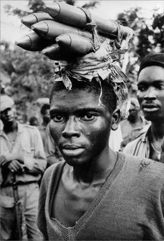 An Ibo soldier in Biafra during the Nigerian Civil War, April 1968 - photograph by Don McCullin Documentary Photographers, Famous Photographers, Nigerian Civil War, War Photography, Symmetry Photography, Street Photography, Landscape Photography, Fashion Photography, Frases