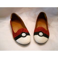 Pokemon Pokeball Glitter Shoes ($105) ❤ liked on Polyvore featuring shoes, flats, pokemon, clear flat shoes, glitter shoes, ballet shoes, clear flats and ballerina flat shoes