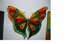 Mariposa sobre acetato (imitación vitral)