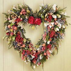 Heart Wreath with Dried Flowers Valentine Day Wreaths, Valentine Decorations, Holiday Wreaths, Valentines, Dried Flower Wreaths, Dried Flowers, Wreath Crafts, Diy Wreath, Wreath Ideas
