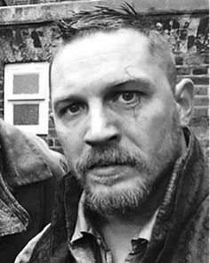 Manly Tom he he he he ❤❤❤ James Delaney, Tom Hardy Legend, Tom Hardy Photos, My Tom, Gorgeous Men, Sexy Men, Hot Guys, Eye Candy, Handsome