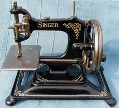 Singer Model 30 chainstitch