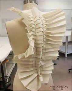 Origami Fashion, Paper Fashion, Fashion Art, Dress Fashion, Fashion Textiles, Fashion Patterns, Fashion Fabric, Trendy Fashion, Pattern Cutting