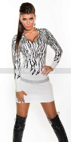 Kötött ruha, cirombás - fehér  http://catwalker.hu/webaruhaz/kotott-ruha-cirombas--feher/7855